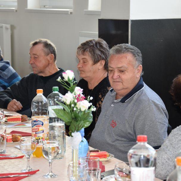 Posedenie pre dôchodcov 2019